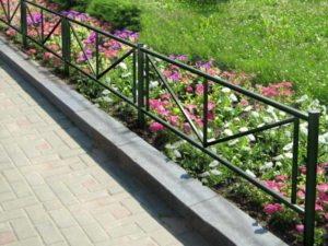 ограждения цветочных клумб